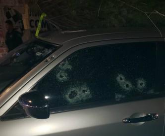 Sicarios balean a familia con todo y bebé al interior de su vehículo, en Iztacalco