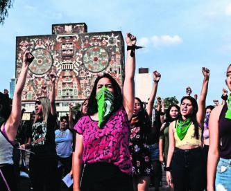 Acusan que Rectoría y sindicatos no atienden los casos de acoso contra alumnas de la UNAM