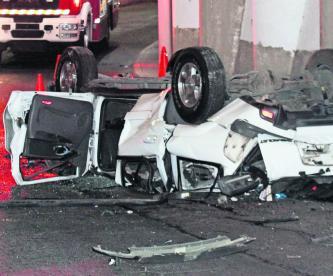 Automovilista muere prensado tras caer de un puente vehícular en Álvaro Obregón