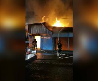 incendio mercado de flores xochimilco