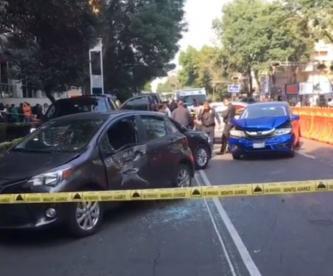 Motosicarios rafaguean a conductor y desatan el pánico en calles de alcaldía Benito Juárez