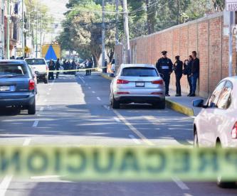 Atacan a balazos a mujer tras dejar a su pequeño hijo en la escuela, en la CDMX