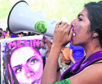 Mujeres morelenses se unen a la marcha por el Día Internacional de la Mujer