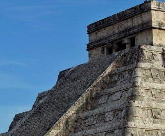 Kukulkan baja en Chichén Itzá y nadie lo vio por contingencia de Covid-19