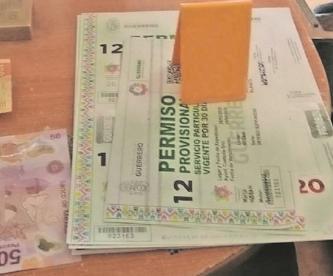Traficaban con permisos falsos para manejar en Morelos