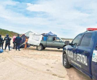 Retiran de playas a centenares de familias por burlar medidas ante Covid-19, en México