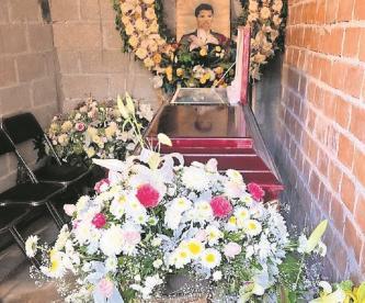 Denuncian a funcionario por cobrar altos costos en panteón de Cuernavaca