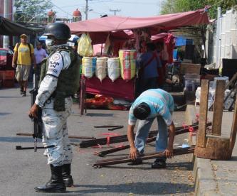Tianguistas de Morelos son desalojados por no cumplir medidas preventivas ante el Covid-19
