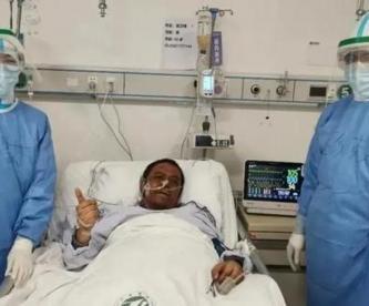 Muere médico cuya piel se oscureció por tratamiento contra el Covid-19