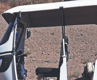 Asesinan a tiros a mototaxista y lo dejan colgado de su vehículo, en Morelos