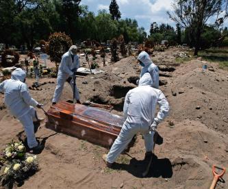 Covid-19 vs homicidios dolosos: cifras de ambos problemas se echan un round en México