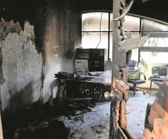 Tras fallecimientos por Covid-19, hombres destrozan hospital y agreden a médicos en Chiapas