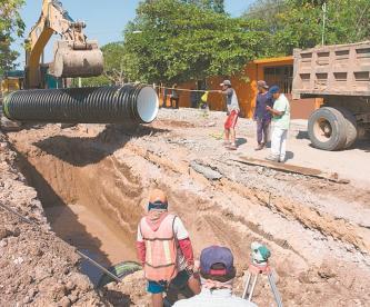 La red de drenaje de Juchitán se colapsa tras nuevo terremoto, ubican 62 puntos críticos