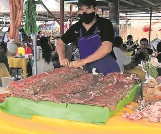Reabre actividades tianguis de la cecina en Yecapixtla, Morelos
