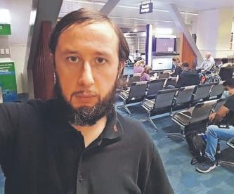 Turista pudo regresar a su país, tras pasar 110 días atrapado en el aeropuerto de Manila