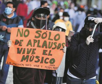Músicos del Edomex protestan en el Zócalo de CDMX, piden apoyos económicos