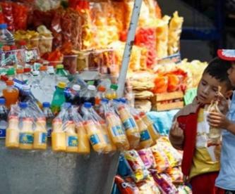 Contra la obesidad, Oaxaca prohíbe la venta de comida chatarra a niños