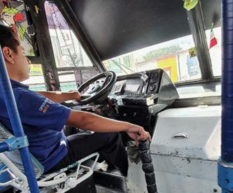 ¿Eres chofer de transporte público en CDMX? Así puedes afiliarte al IMSS