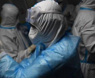 Viróloga china que advirtió peligrosidad del Covid-19 promete revelar su verdadero origen