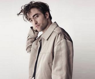 Robert Pattinson ya pasea con su novia en Londres, tras estar en cuarentena por Covid-19