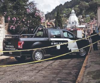 Joven se parte la cabeza en dos y muere desangrado, en el Estado de México