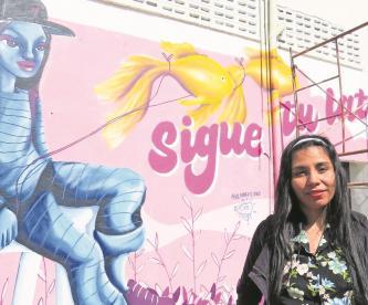 Artista busca con su ingenio ser la voz de las mujeres que sufren violencia en Edomex