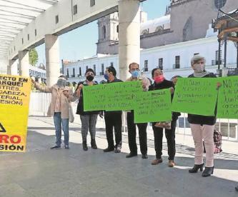 Vecinos del Edomex exhiben amparo para suspender montaje de las Torres del Tren Interurbano