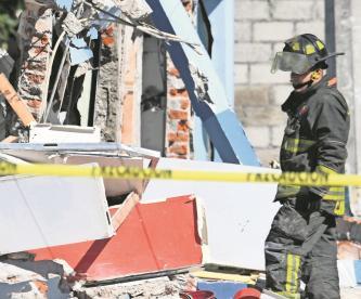 Explosión en pizzería de Azcapotzalco deja dos heridos y cerca de ocho predios afectados