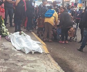 Cae mujer muerta en plena calle y permanece tirada más de seis horas, en Edomex