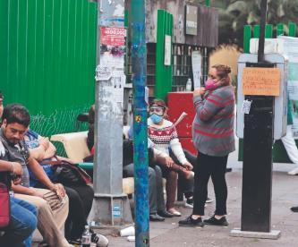 Suspenden día de descanso extra a médicos y enfermeras tras saturación por Covid en México