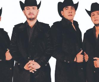 El vocalista de Calibre 50, Edén Muñoz no se ve sin su exitosa agrupación