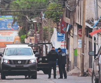 Vecinos atestiguan a sicarios en acción, arrastran a joven y le meten un balazo en Morelos