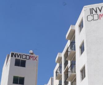 Primos con 20 departamentos en edificio del Invi son rafagueados por narcos, en Iztacalco