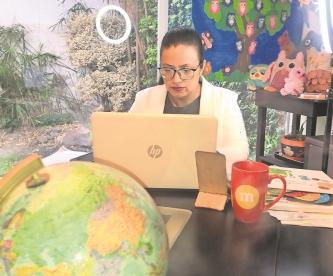 Maestra del Edomex anhela regresar a clases, será vacunada contra Covid este viernes