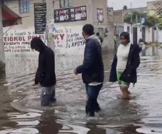 Reparación del drenaje les duró solo 2 años en Ixtapaluca, 180 casas se inundaron