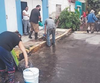 Darán apoyo económico a familias afectadas por lluvias e inundaciones en Nezahualcóyotl