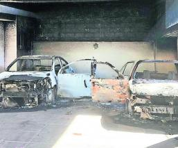 queman autos casa comando armado