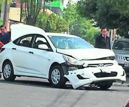 Choque Automóvil semáforo Toluca