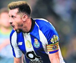 Héctor Herrera marca gol partido Porto Vitória Liga Portuguesa
