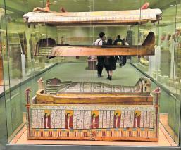 Museo Nueva York Sarcófago Robado Egipto