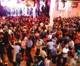Baile de aniversario El Gráfico Tlatelolco gran salón grupos fiesta