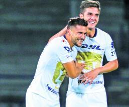 Pumas derrotan Leones Negros boleto octavos final