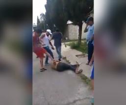 Propinan brutal golpiza a un presunto delincuente, en Tecámac