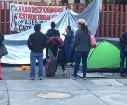 MAESTROS DE LA CNTE BLOQUEO CAMARA DE DIPUTADOS CDMX
