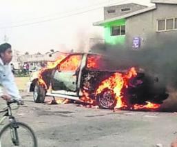 Automovilista arrolla a niño de 6 años y lo mata en Toluca