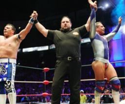 Volador Jr y Último Guerrero cerca de ganar el torneo de parejas