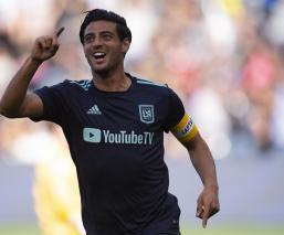 Carlos Vela volvió a meter doblete en la MLS