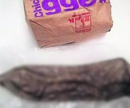 encuentran condón en una hamburguesa