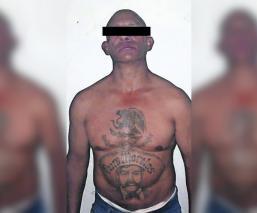 Presunto sicario Golpea a policías Morelos Portación de drogas