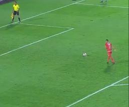Despiden a futbolista por tirar un penalti a lo Panenka